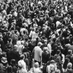 Et billede af en menneskemængde